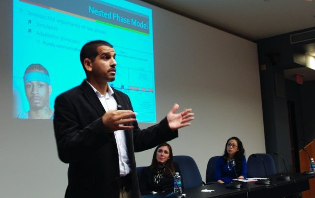 Presenting at the Organizational Communication Mini Conference at Rutgers University, October 2010.